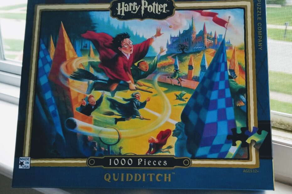 Front of Quidditch 1000 piece puzzle box